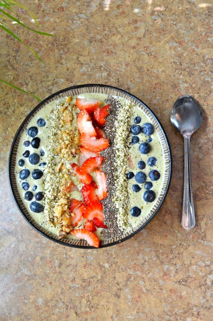 Inspiration- looks delicious! Almond Butter Smoothie Bowl #gf #glutenfree #vegan #vegetarian