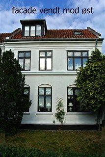 Strandvejen 313, 2920 Charlottenlund - Skovser hus med sundudsigt fra 1sal   2sal og terrasse #charlottenlund #villa #selvsalg #boligsalg