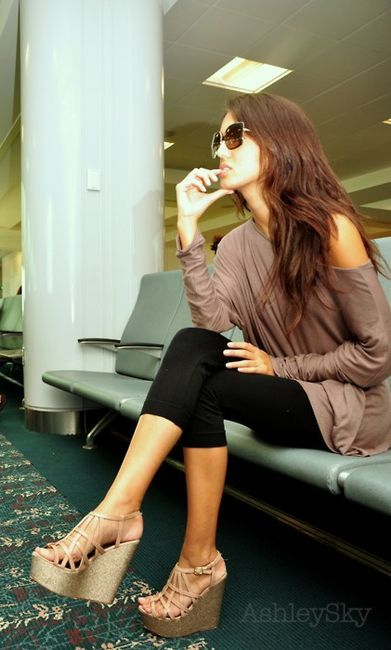 wedges, leggings oversize top= honeymoon travel outfit sorted! find more women fashion