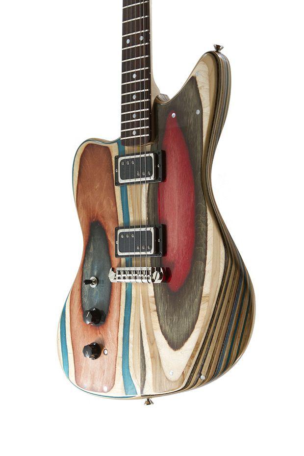 Skates usados e quebrados viram incríveis guitarras coloridas - Prisma Guitars;