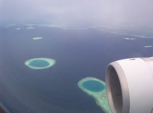 Avion-maldives-atoll