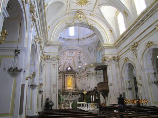 Chiesa di Santa Maria Assunta e Cripta Medievale | Amalfi ...
