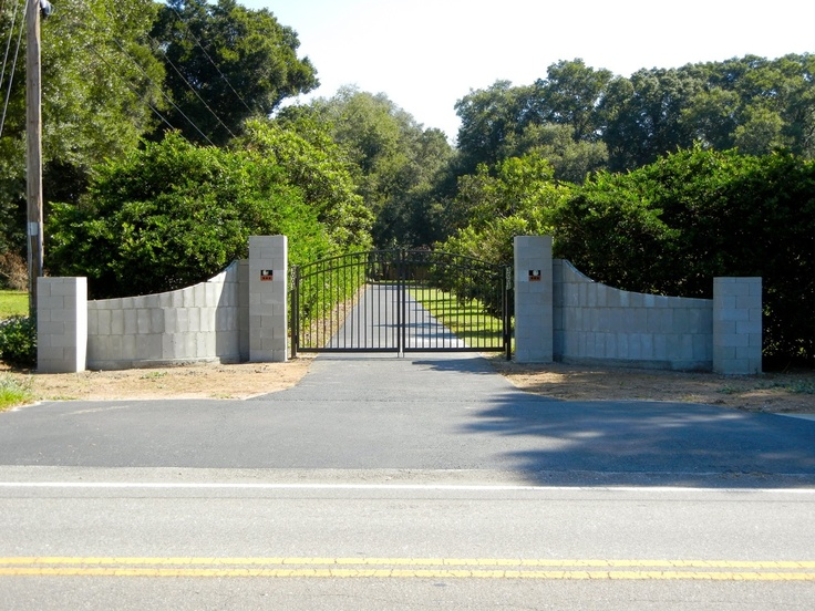 Curved Gated Entrance Walls A La Eddie Palla Ideas