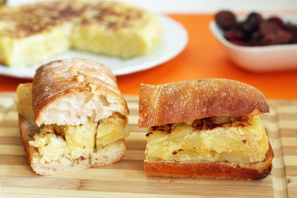 Caramelized onion omelette sandwich –  – Sandwiches