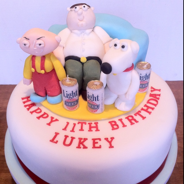 Family Guy Cake @Sue Backman without the beer on it