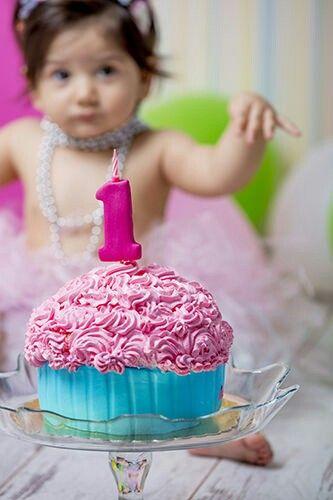 1 yaş pasta patlatma www.sadostudyo.com