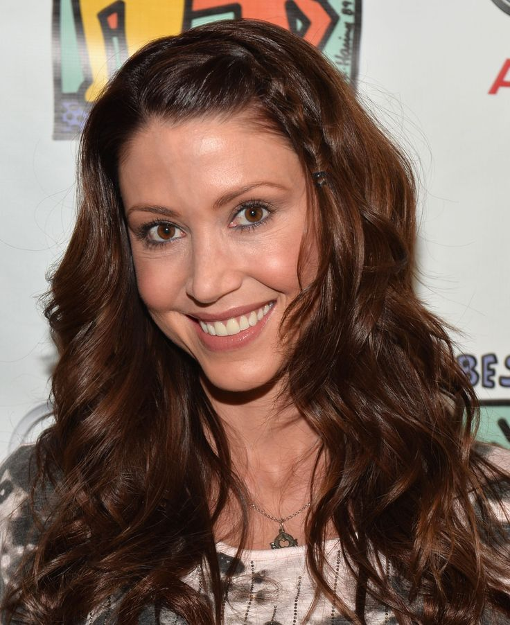 Shannon Elizabeth Has A Syrian Lebanese Father And A