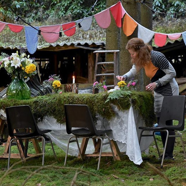 Last picture of our little forest party yesterday! The chairs are thrifted and the 'table' I found in the old shed. The party garland and dress you'll find next week in my shop! Have a nice weekend, I'm gone painting! . . . . #forestparty #party #coco #cake #forest #bos #veluwe #thuis #athome #desparrenhof #dutchdesign #handmade #feest #bosfeest #zussen #green #greenliving #photoshoot #slingers #elkedagfeest