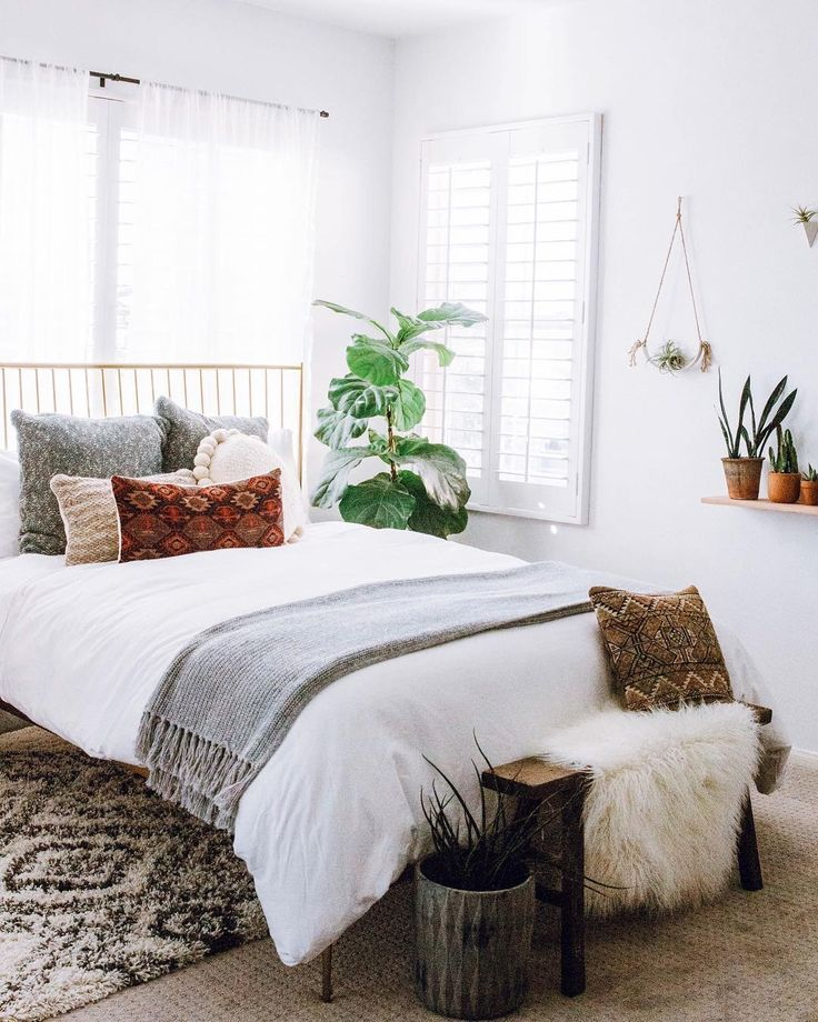 Simple Bedroom Interior Design: Best 25+ Simple Bedrooms Ideas On Pinterest