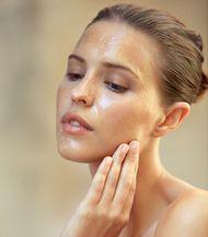 DOMANDE &RISPOSTE  SULLA COSMESI  come prendersi cura del viso  nel tempo