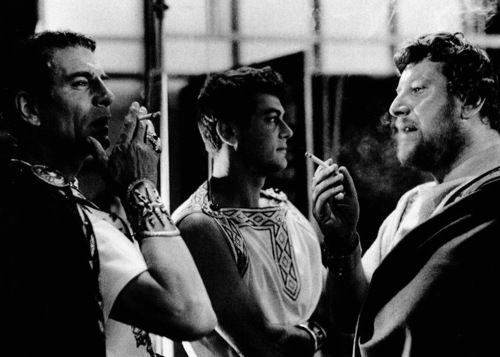 Laurence Olivier, Tony Curtis, & Peter Ustinov on the set of Spartacus (1960, dir. Stanley Kubrick)