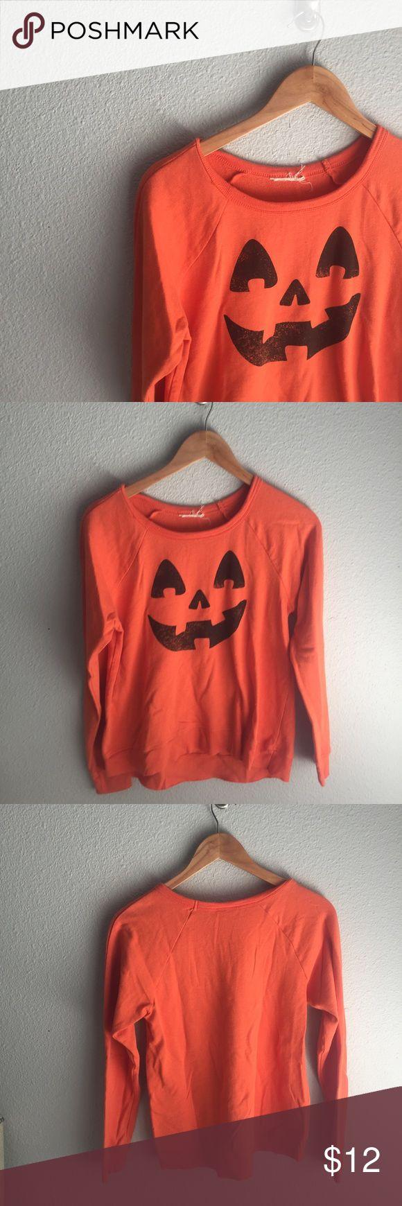 jack o lantern sweatshirt adorable Halloween sweatshirt with cute pumpkin 🎃 face!  I ❤️reasonable offers! 🛍bundle discount- 2+ 20% off 🚫trades/try ons/PP Tops Sweatshirts & Hoodies