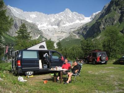 http://www.camping-glaciers.ch/modules/myalbum/photo.php?lid=2359_id=380=  Camping near Chamonix just over the Swiss boarder. Near lake.
