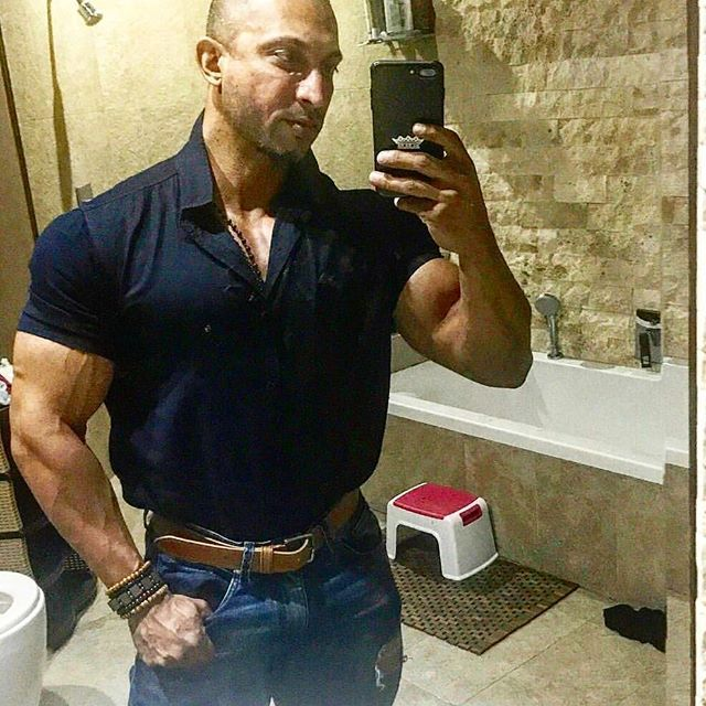 @joemanjoo💪💪💪 Always looking so incredible! 👆💯😎 ___________________________________   #goals #nevergiveup #work #abs #bodybuilding  #motivation #fitness #shredded  #gymmotivation #fitspo  #success #fitness #bestrong #fitnish #abs  #fitbod #guyswholift #fitfluential