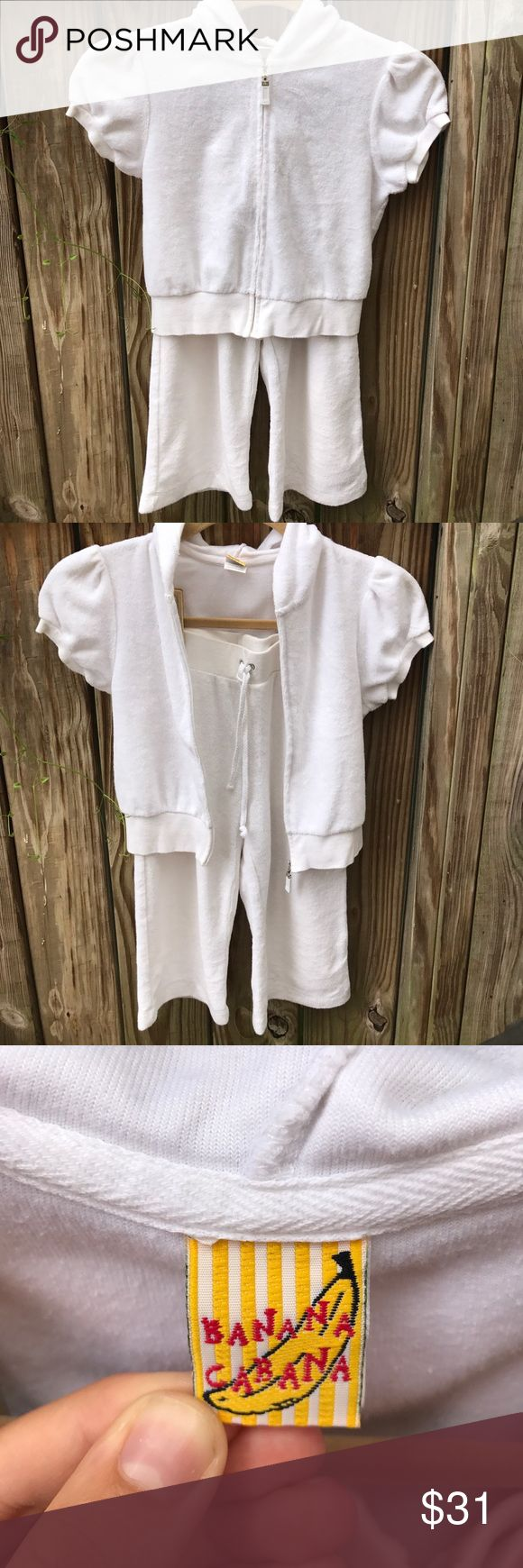 A girls BANNA CABANA two piece sweat suit🌤size 7 A girls white terry cloth sweatsuit with capri bottoms and shirtsleeve jacket🐩👛Size 7! Perfect for any putting very comfortable and great for back to school📓pair with sandals or tennis shoes banana cabana Matching Sets