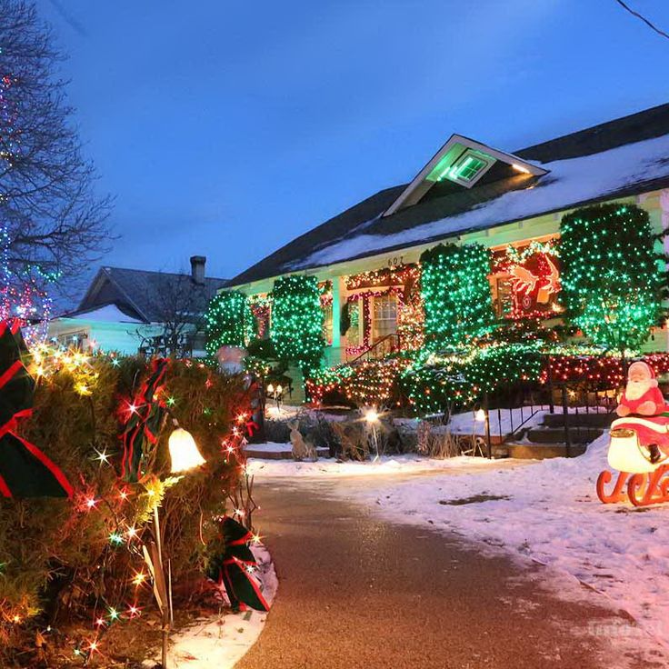 String Lights Kamloops : 17 Best images about Christmas Lights! on Pinterest Christmas trees, Outdoor christmas and A house