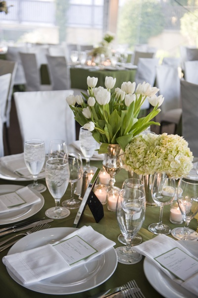 pretty green tablescapes