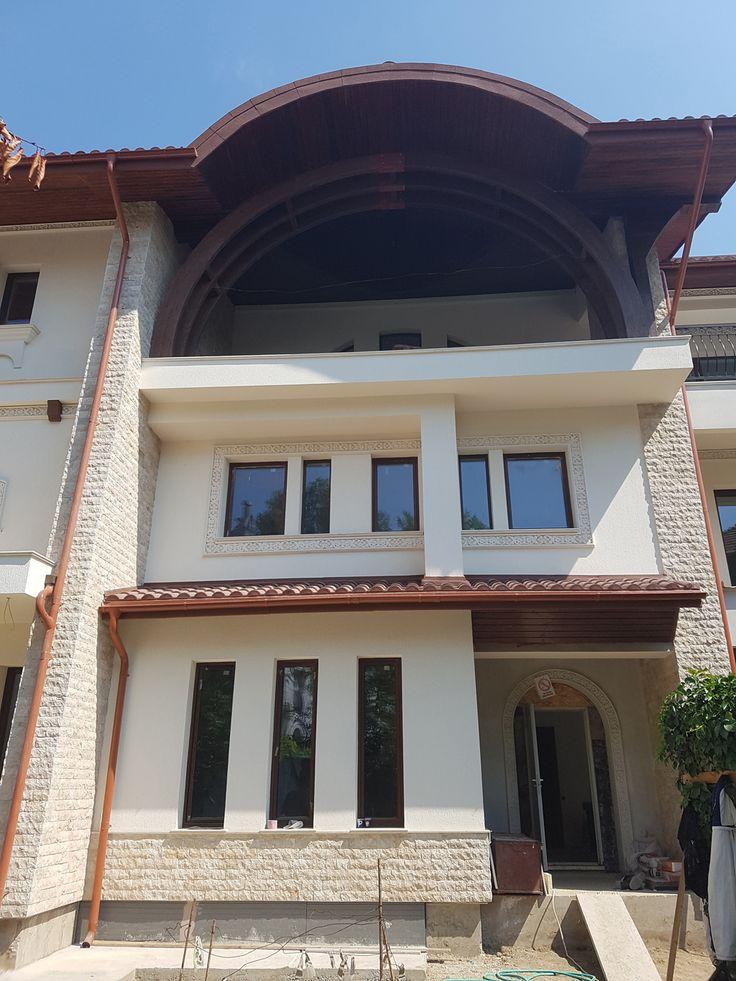 Profile decorative personalizate pe fatada casa neoromaneasca