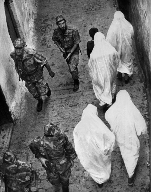 """""""The Battle of Algiers"""" (La battaglia di Algeri - 1966) - Directed by Gillo Pontecorvo"""