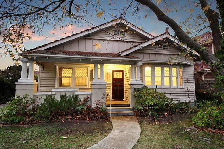 Stone and white Californian Bungalow - 12 Loranne Street BENTLEIGH