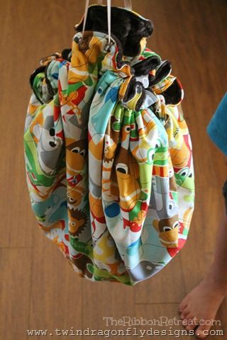 Play Mat Bag Tutorial - The Ribbon Retreat Blog | I'm going to make one for each group of toys. Now to determine best storage option.
