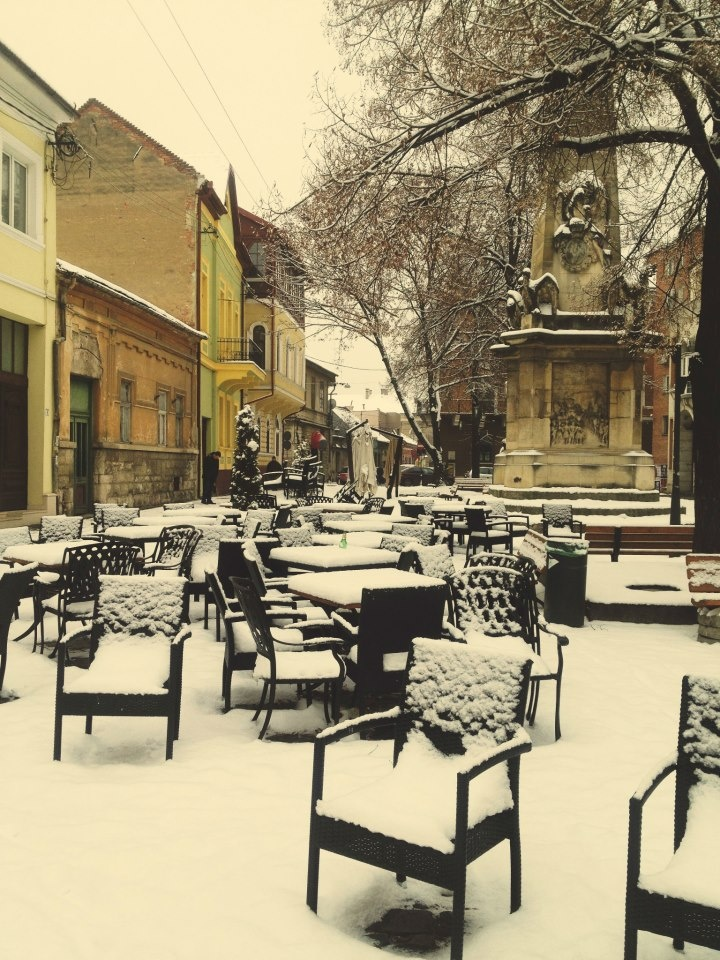 Cluj-Napoca...a coffee please:) I used to skip classes in Racovita and come here for a coffee… sweet memories!