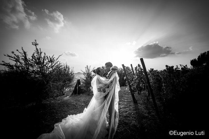A Eugenio Luti's photography #love #happiness #vigneto #castellodegliangeli #blackandwhite
