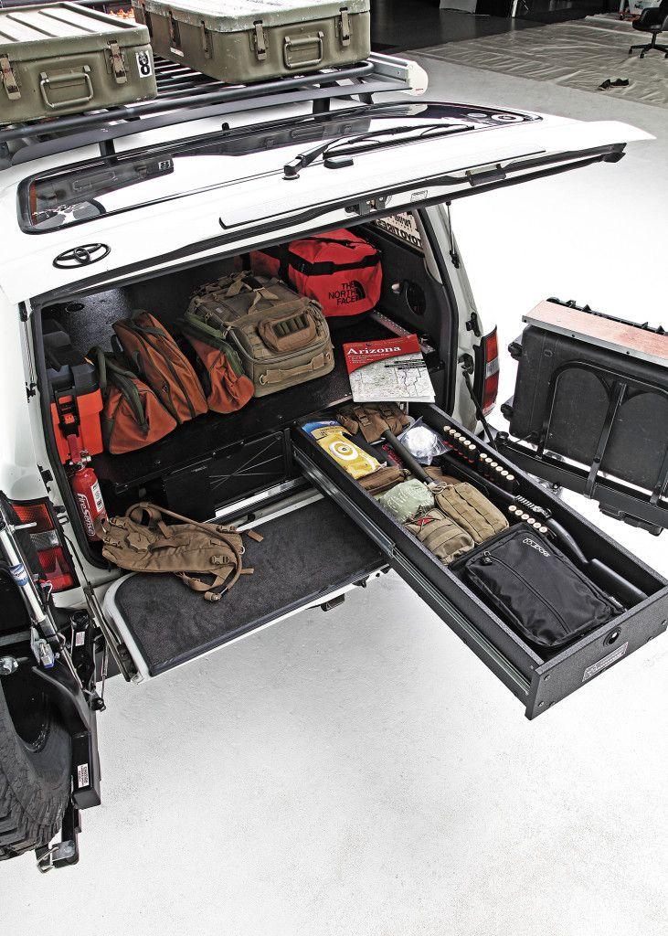 1994-toyota-land-cruiser-trunk-full-of-equipment