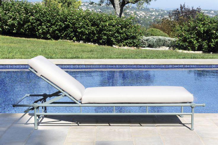 17 best ideas about chaise longue piscine on pinterest. Black Bedroom Furniture Sets. Home Design Ideas