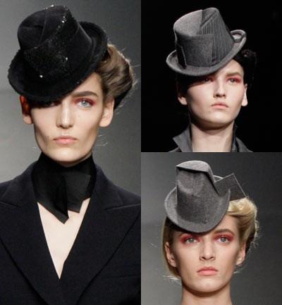 Sombreros tradicionales com la chistera pero en miniatura, algunos adornados con lentejuelas o con la tecnica patchwork.
