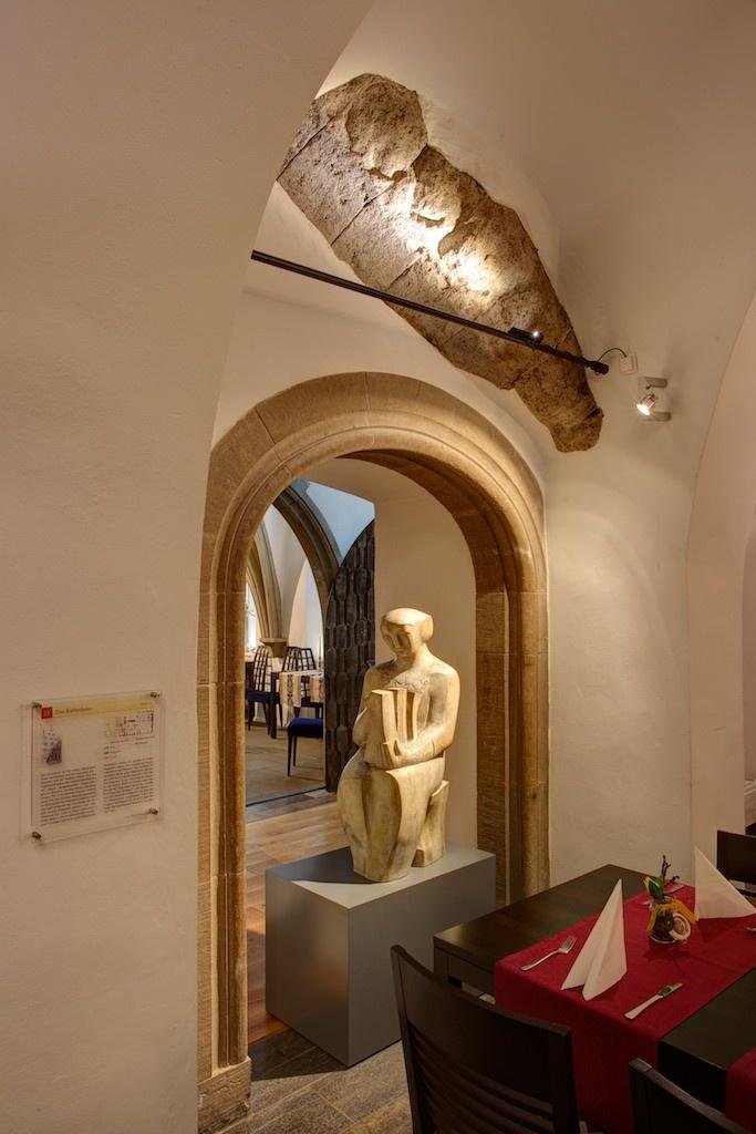 light: Christoph Pullmann, fixtures: viabizzuno, architect: archicult, fotograph: Stefan Mikolon, 2012 - Ratskeller Würzburg