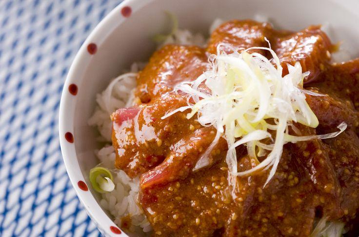 しょうゆだけのマグロ丼に飽きたらゴマ味噌だれで!マグロのゴマ味噌漬丼/保田 美幸のレシピ。[和食/ご飯もの(寿司、ご飯、どんぶり)]2004.06.21公開のレシピです。