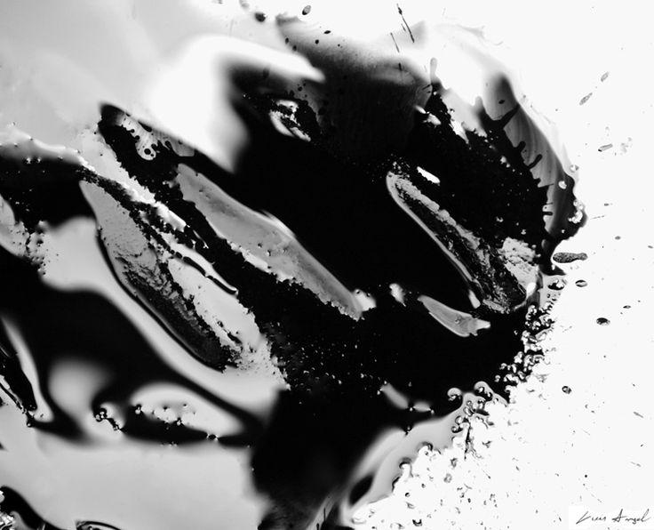 Colección fotográfica creada en 2007 por Luis Angel Grijalba de modo experimental y sin el uso de fotomontaje para el desarrollo de brillos y texturas.