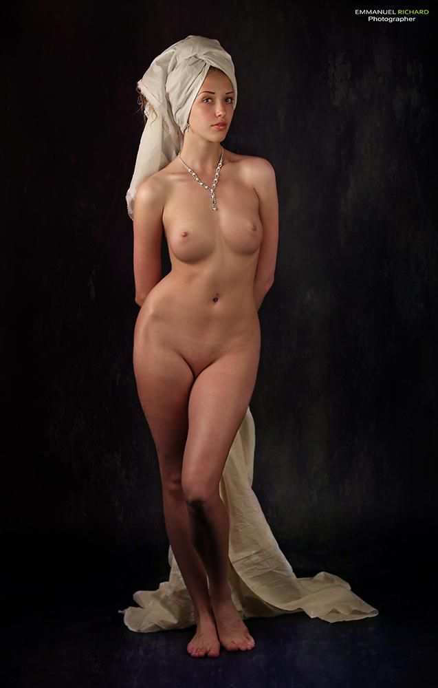Nude Model Poses 96