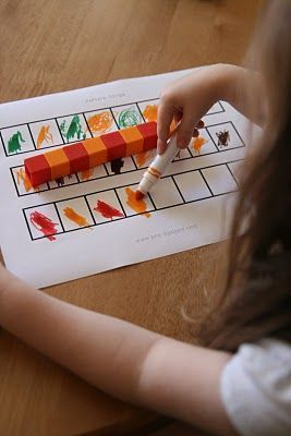 Patterning activity using unifix cubes.  Pattern activities for preschool, pre-k and early childhood education.