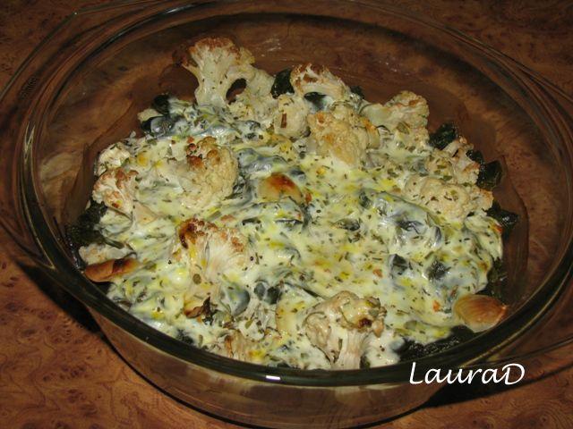 Conopida la cuptor cu spanac si iaurt aromat