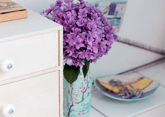 Homestory: Fröhliche Farben und außergewöhnliche Accessoires #homestory #homestoryde #home #interior #design #inspiring #creative #craft #DIY #martina