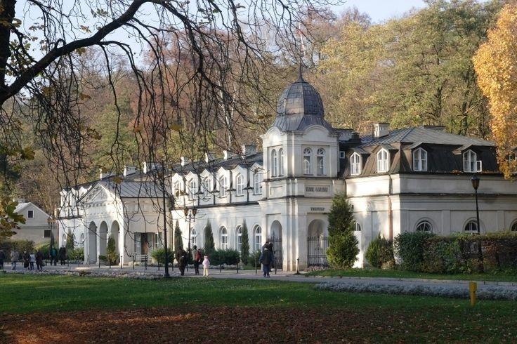 Stare Łazienki w Nałęczowie - pierwszy, historyczny budynek uzdrowiska w Nałęczowie, wzniesiony na początku XIX wieku przez rodzinę Małachowskich.