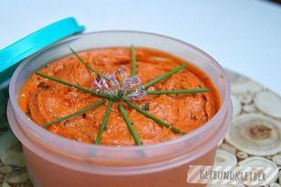 Tomatenbutter mit Thymian und Oregano