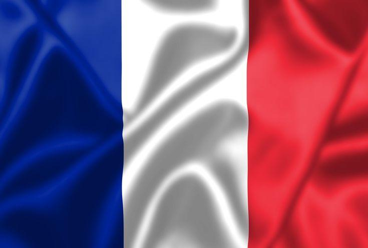 Blau, Weiß, Rot - die Nationalflagge Frankreichs ist auch als Trikolore bekannt. Dabei steht die Farbe Blau für die Freiheit, Weiß für die Gleichheit und Rot für die Brüderlichkeit. Zum ersten Mal in dieser Farbkombination tauchte sie...