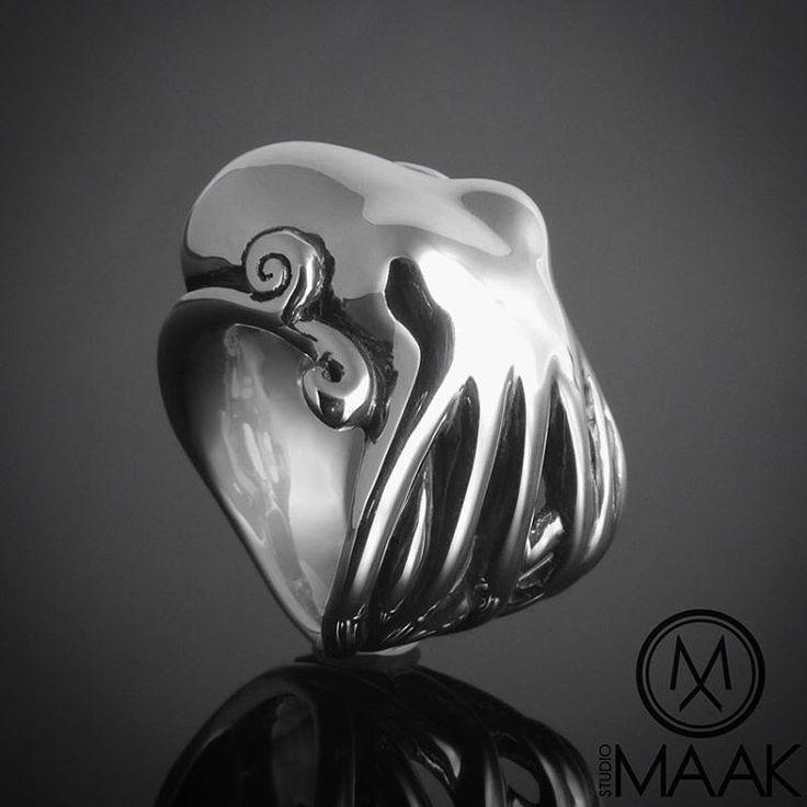 #silverring #handcrafted #jewellery #jewelry #kraken #seamonster #finejewellery #australiandesign #octopus #cephalopod #brisbaneshopping #unisex #sculpture #handmade #luxurystyle #studiomaak #squid #silver #design #brisbanestyle
