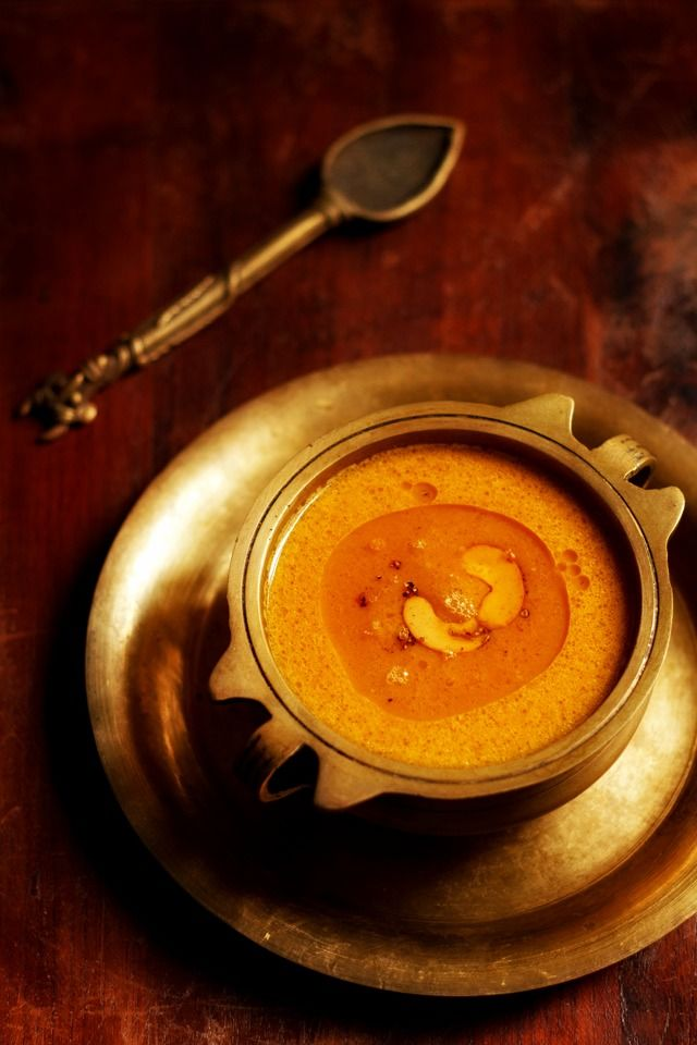 carrot payasam or carrot #kheer – creamy and smooth #payasam made with #carrots, jaggery and coconut milk.  #desserts #vegan #coconutmilk #indianrecipes
