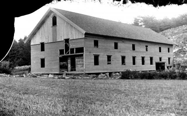 (Möllers) Ladugården i Nordgård under uppbyggnad 1915, Lilla Askerön