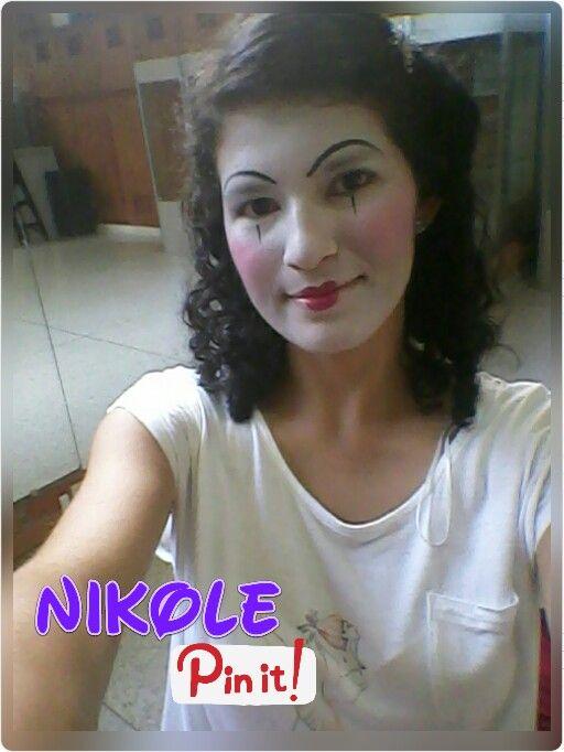 Mimo feliz Modelo: Nikole Ramirez Hecho por: Nikole Ramirez