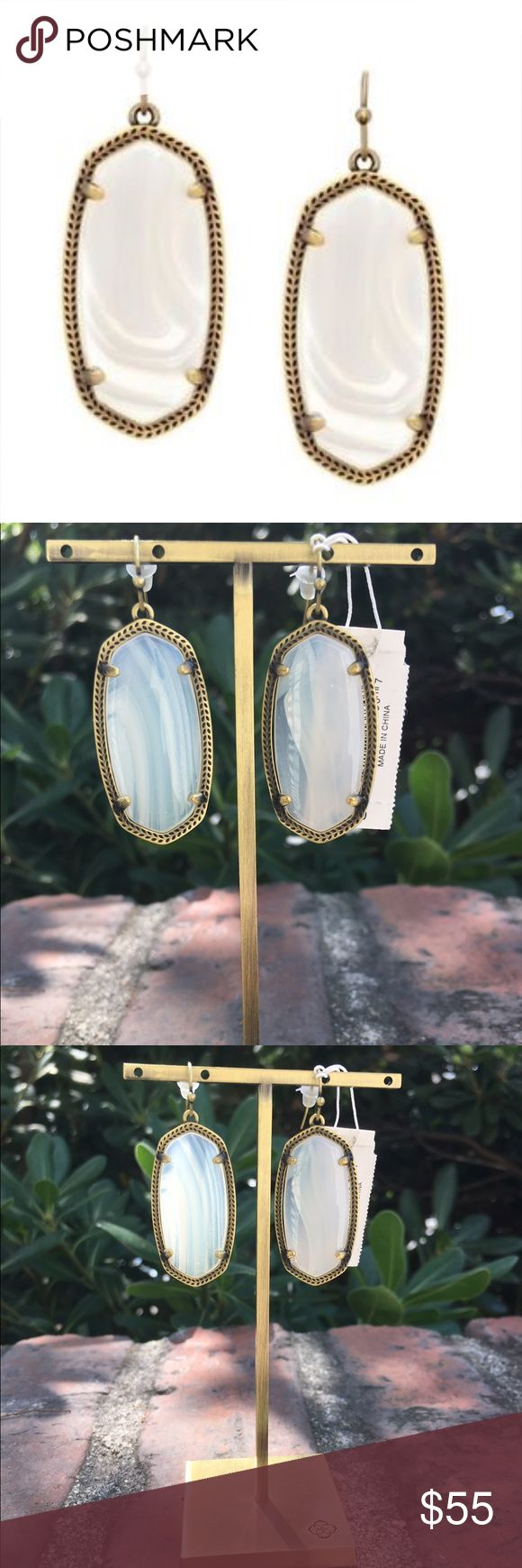 NWT Kendra Scott Elle Earrings Antique Brass NWT Kendra Scott Elle earrings in Antique brass.  No matter what color you choose, these are a perfect match for any outfit! Original jewelry pouch and care card included. Kendra Scott Jewelry Earrings