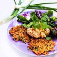 Asiatiska morotsrårakor, med ingefära, sesamfrån, vitlök, lime och quinoa