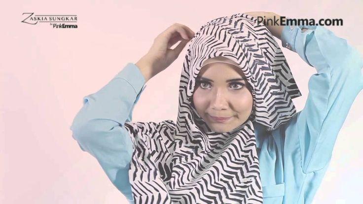 Zaskia Sungkar Hijab Tutorial: Drapery Style Dengan Pashmina Bermotif