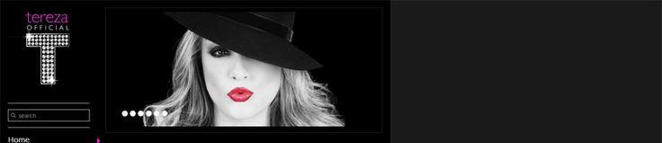 Η Tereza μεγάλωσε στη Νέα Υόρκη όπου σπούδασε: μουσική, τραγούδι, σκηνική παρουσία και μουσική ψυχολογία κοντά σε μεγάλα ονόματα της μουσικής. http://www.tereza.gr