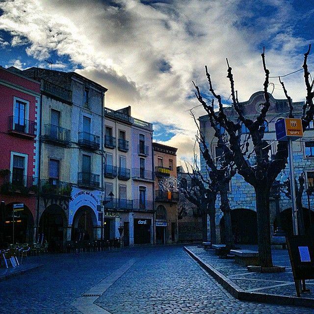 By @bruixetadelteucor #montblancmedieval #Tarragona #Montblanc #Catalunya #Cataluña #Catalonia #Catalogne #turisme #tourisme #turismo #tourism #trip #travel #viatjar #viatge #viajar #viaje #urban #urbano #urbà #arquitectura #architecture #street_photography #citycenter #plaza #plaça