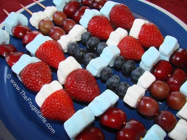 4th of July Red, White, and Blue Fruit Skewers #fruit, #skewers, #party, #appetizers, #marshmallows, #summer,